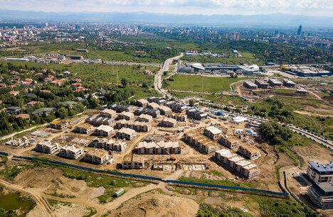 Как за 9 месеца бе издигнат цял квартал от 110 къщи