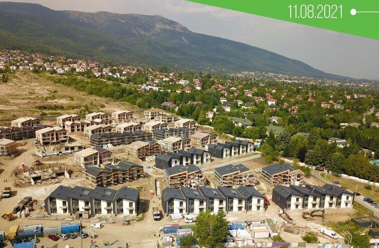 Строежът на River Park през летните месеци